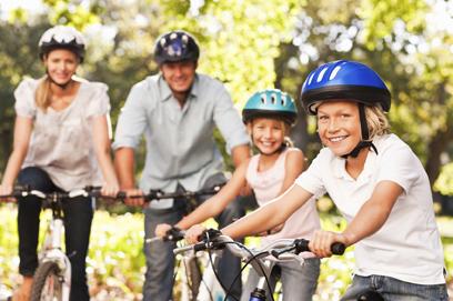 family-bik-ride